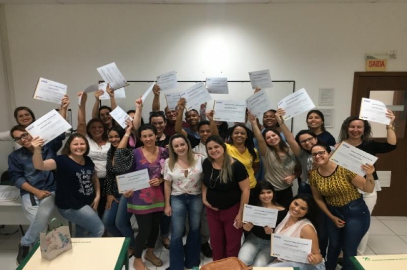 Feapi certifica alunos do curso básico em Administração