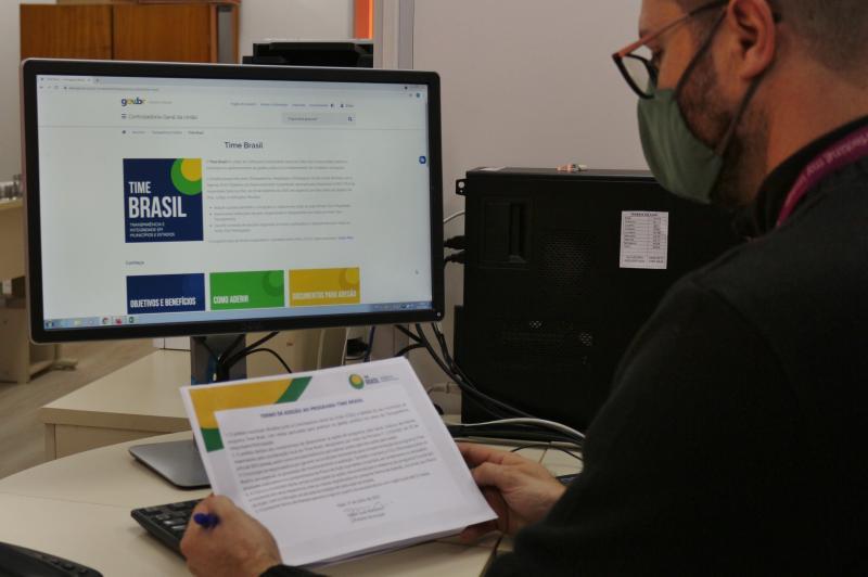 Itajaí adere a programa de transparência e eficiência da gestão pública e combate à corrupção
