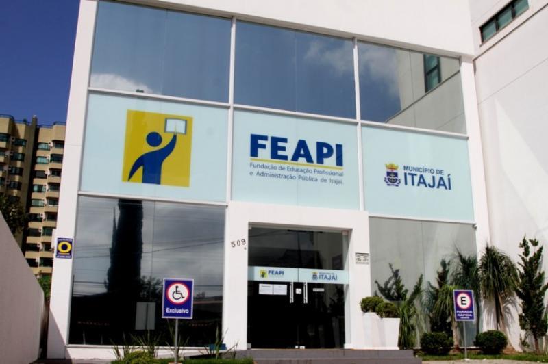 Feapi inicia novo módulo de informática no Casep